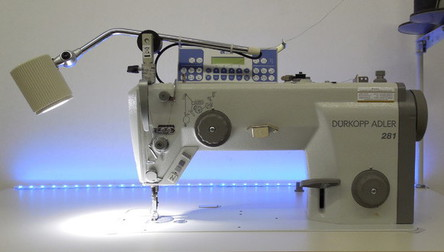 Dürkopp Adler Kl. 281 Industrienähmaschine mit LED Nählampe © NT-Michel