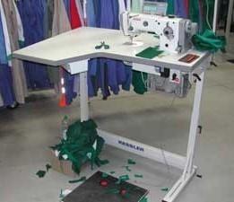 Industrie Nähmaschine stehend